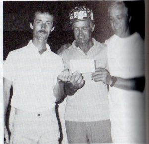 Paul Rouleau champion en simple 1984 et Marcel Gariépy (à droite).