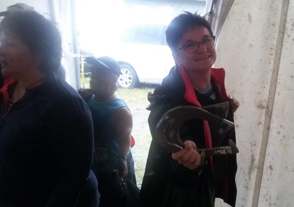 Johanne Gagnon, joueuse de dards élite, a troqué ses dards pour les fers.