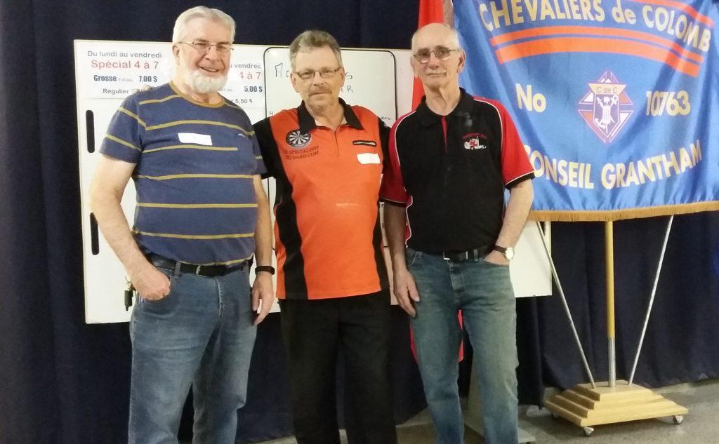 Boursiers parmi les joueurs du A: Gaétan Daudelin (2e), Kenny Weightman (3e) et le gagnant Julien Harvey.