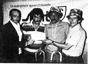 Victoriaville 1976: Fernand Dutremble et Gérard entourent Fernand Thibeault et Serge Cournoyer.